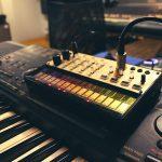 Syntezator KORG Volca Keys, MIDI